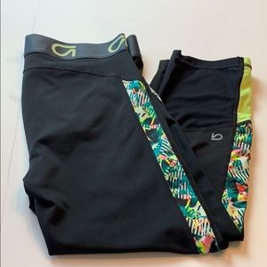 Gap Athletic Abstract Floral Mesh Leg Capris